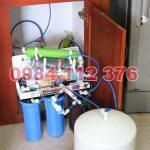Máy lọc nước cũ lắp gầm chậu rửa